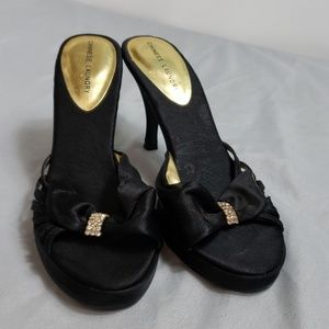 Chinese laundry heels with bow size 7 1/2